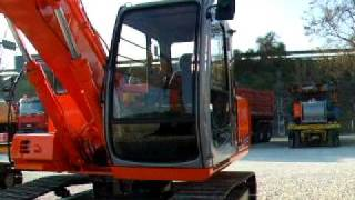 ESCAVATORE FIAT HITACHI EX 135 .AVI