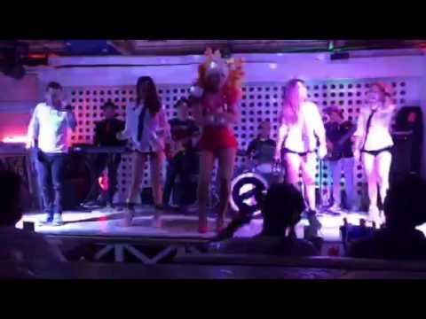 Palawan bar with Bakla show