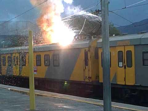 Metrorail train on fire(Mbekweni,Paarl)