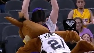 Spurs Mascot TACKLES Lakers Fan, Kawhi Leonard Shoots LIGHTS OUT