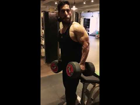 Dumbbell bentch fly with 35kg dumbbells