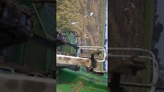 ks 513 harvester harvesting field