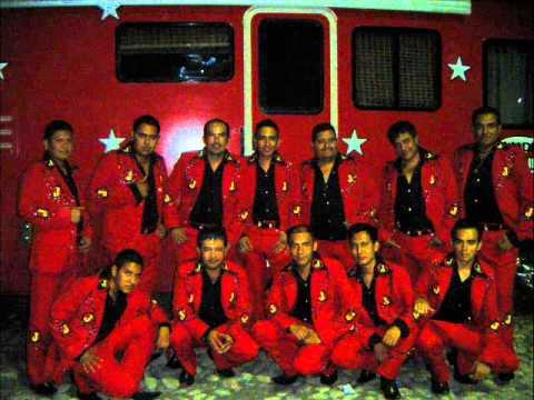 CORRIDO DE NAZARIO MORENO.-2011 BANDA JUNIORS DE JORGE AGUIRRE DE HUETAMO MICH.wmv