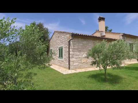 Dream house 164 m² on a property of 3 hectares surrounded by woods and olive groves