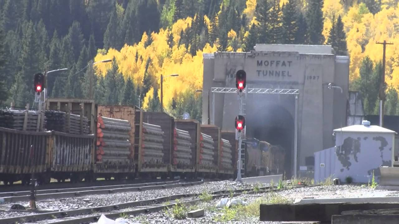 4 X 4 >> Moffat Tunnel westbound Union Pacific - YouTube