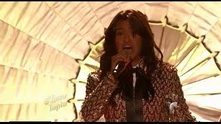 Natalia Loya canta
