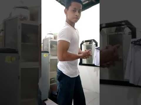 Flex Muscle Remaja Sixpack Buka Baju