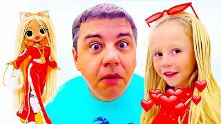 Nastya verkleidet sich wie eine Puppe und verhindert, dass Papa