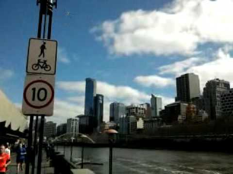 Walk around the state capital (#Melbourne)