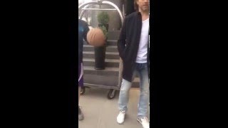 Jaromir Jagr playing basketball with fans in NYC outside hotel