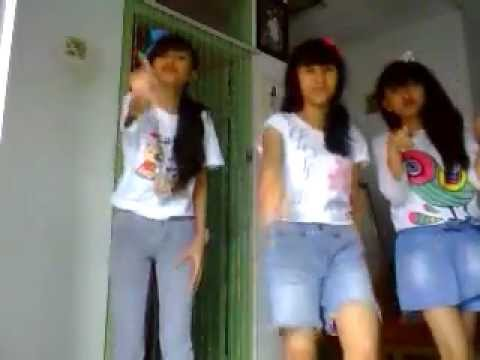 DANCE PUTIH ABU-ABU about you alya celin meita Travel Video