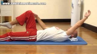 Risveglio muscolare | Allungamento posturale da fare appena svegli(Dormite in posizioni particolari durante la notte e la mattina siete a pezzi? Questo esercizio di stretching posturale fa al caso vostro... Permette di allungare i ..., 2013-10-24T08:58:05.000Z)