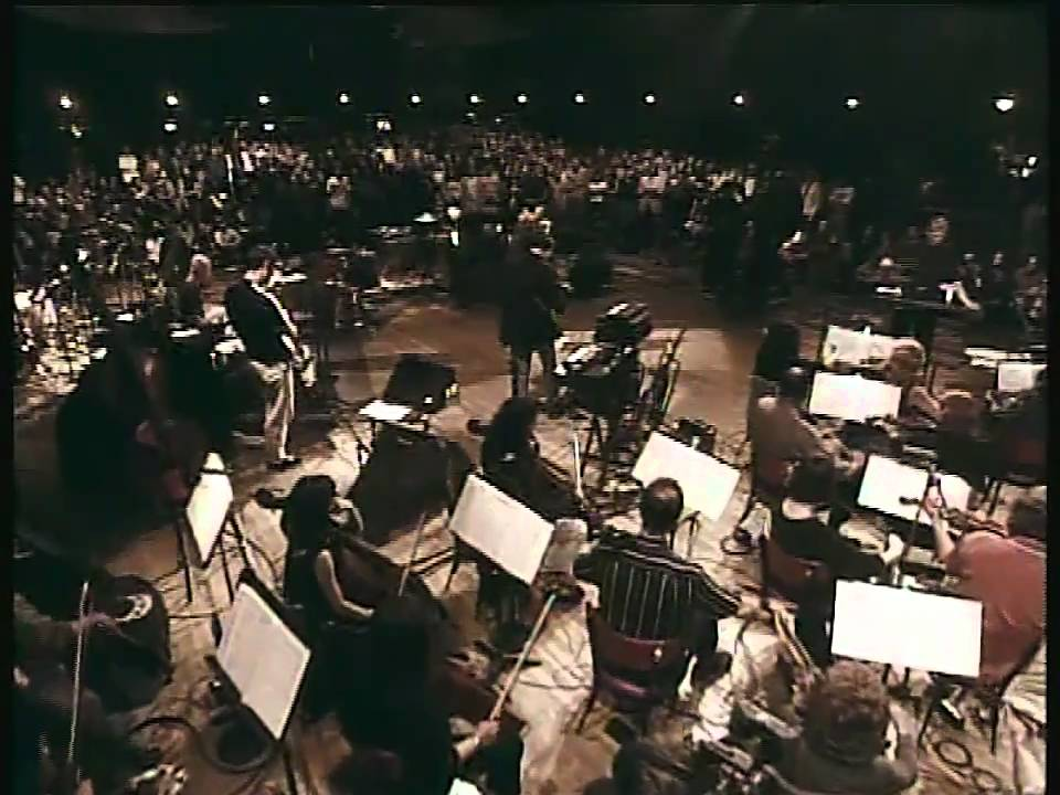 Portishead - Roads (Roseland NYC Live) - YouTube