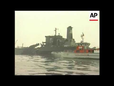 Singapore - Oil tankers collide