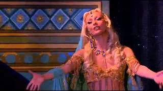 Кабаре Мулен Руж ( Moulin Rouge )(Приглашаем вас и ваших друзей во Францию! http://tourfr.blogspot.fr/ наш блог с видео экскурсиями! Мулен Руж или..., 2014-05-01T14:47:04.000Z)