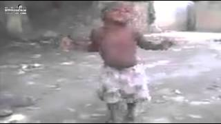 LITTLE AFRICAN BABY DANCING SO CUTE LOL