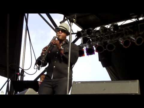 Elan Trotman and Jonathan Butler perform 100 degrees live at the San Diego Jazz Festival