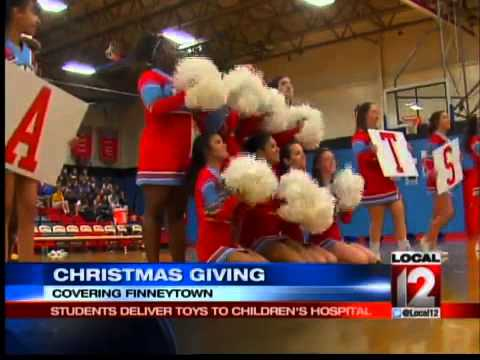 Students Deliver Toys to Sick Children