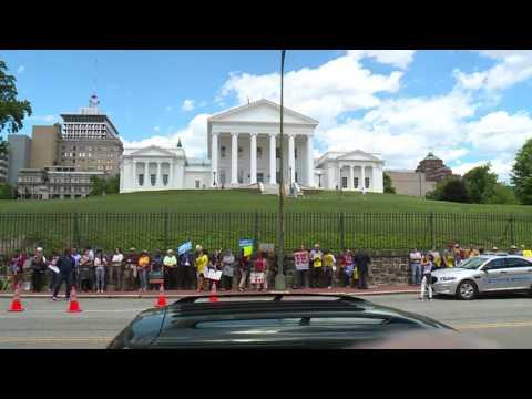 US Supreme Court revives parts of Trump travel ban