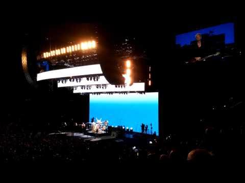 Mick Fleetwood introduces Fleetwood Mac...