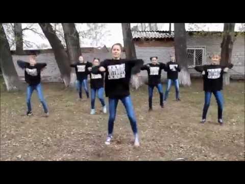 Видео: Зажигательный интернет флешмоб Планета танцуй