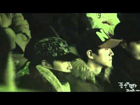[FANCAM] (101226) - 2PM enjoying 2AM concert