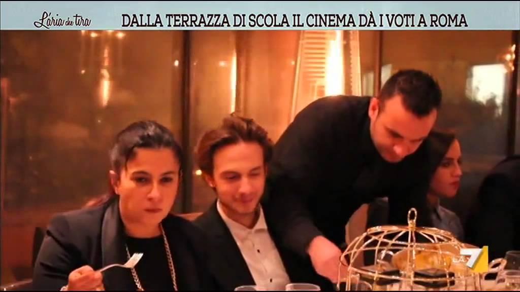 Dalla Terrazza di Scola il cinema dà i voti a Roma - YouTube