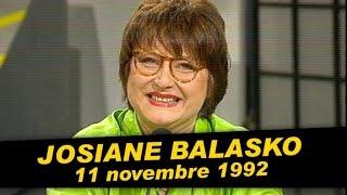Josiane Balasko est dans Coucou c