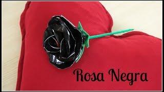 Rosa Negra de Material Reciclado