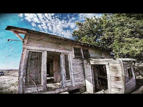Download Youtube: What's hidden inside of this decaying old house?  Creepy house explore.