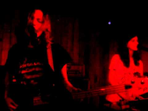 Telepathe - In Your Line (Live @ The Waiting Room, London, 27.09.12)