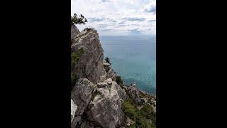 Походы и экскурсии по Крыму поселок Симеиз гора Кошка и скала Дива