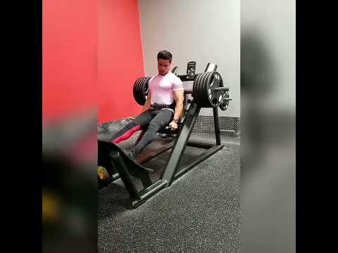 hack-squats-450-pounds