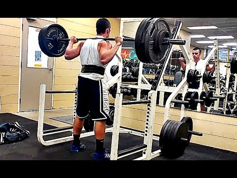 Squatting To Failure - Showing How To Safely Miss A Rep