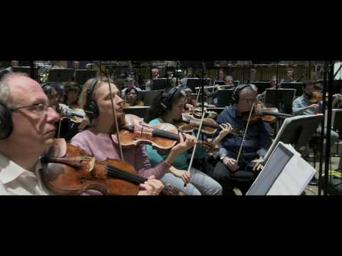 Alexandre DESPLAT recording the original score of Luc BESSON's movie Valerian – Behind the scenes