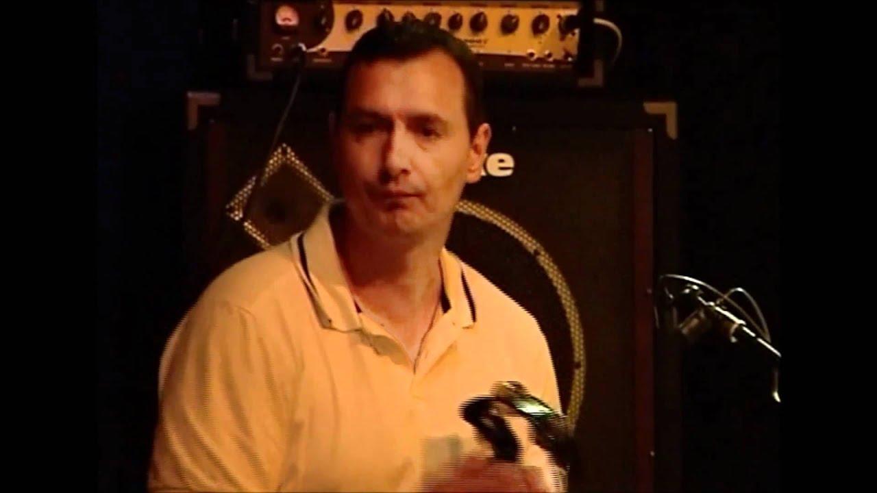 A Mandala című újdonság, Tikász Zsolt Leoo (gitár, ének, dalok), Varga Rókus (cajon, dob-programok), Bordás János (basszusgitár, vokál) és Kőteleki.