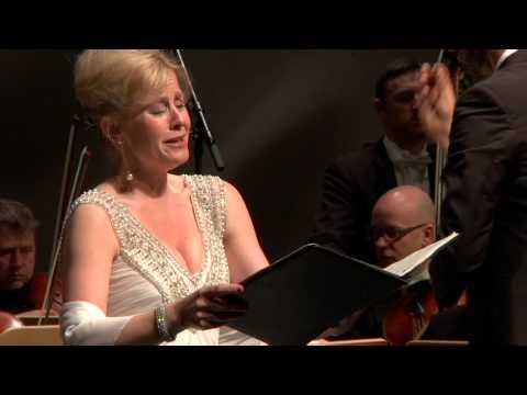 Lisa Larsson - Britten - 8. Parade