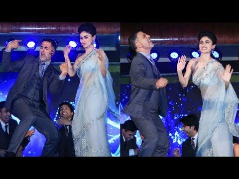 Mouni Roy CRAZY Dance With Akshay Kumar At GOLD New Song Launch