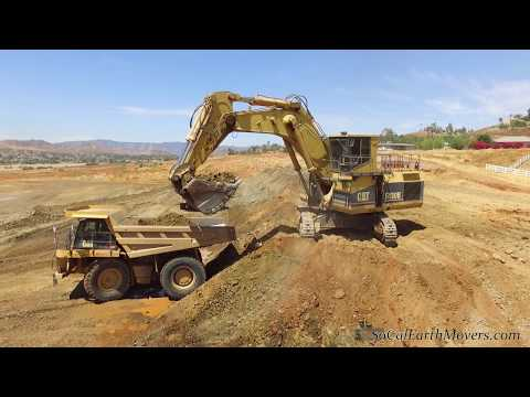 2 CAT 5130B mass excavators on housing project