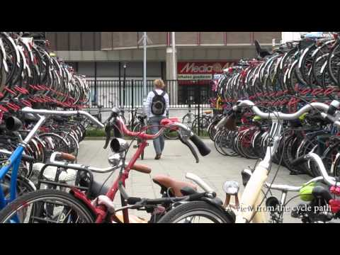 Electronic bicycle parking in Utrecht (Netherlands)