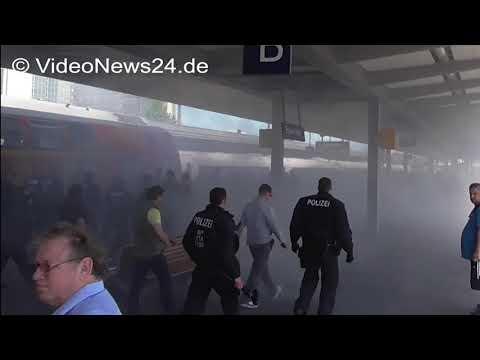 25.05.2017 - VN24 - Fußball RW-Essen gegen MSV-Duisburg - Pyrotechnik und Nebeltöpfe im Stadion ...