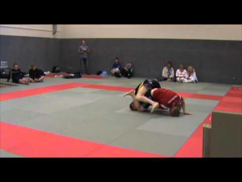 DGL 2011 5 Runde Danni Wolf CheckMat/Fightsport Køge vs Mikkel Kasper Checkmat/ArteSuave