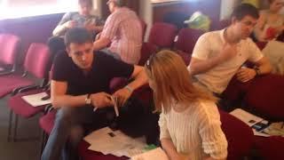 Видео для риэлторов  Отработка возражений на семинаре Алексея Гусева