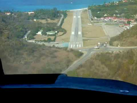 Difficult Landing Approach at St. Barts