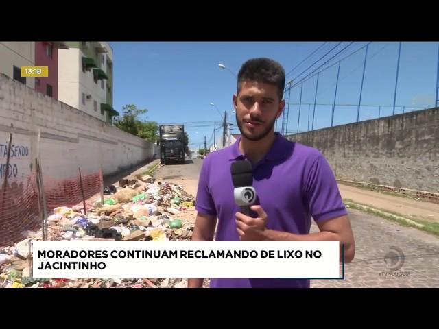 Moradores reclamam de acúmulo de lixo no bairro do Jacintinho