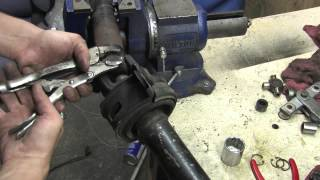 Driveshaft 102 - Remove Universal Joints
