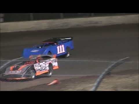 Late Model main championship at Willamette Speedway September 23, 2017