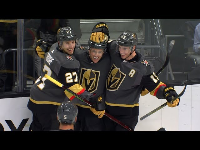 Reilly Smith uses his creativity for two pretty Golden Knights goals