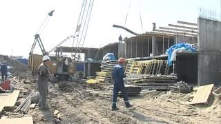 Строительство дома на Порт-Артурской для переселения горожан из бараков продолжается во Владивостоке(, 2015-04-14T02:51:45.000Z)