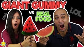 Real Food VS Gummy Food! Gross Giant Candy Challenge! Gominolas gigantes vs comida real